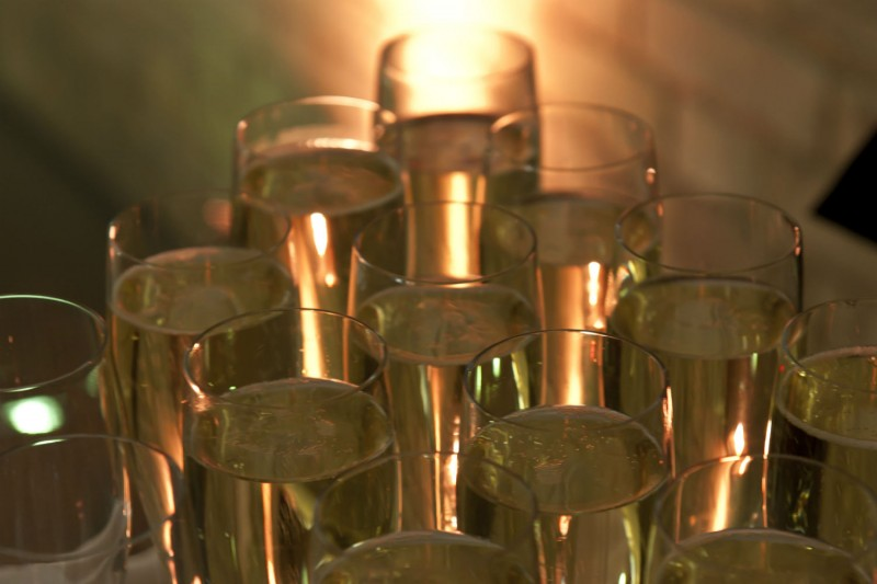 A tray of Champagne glasses full of Champagne